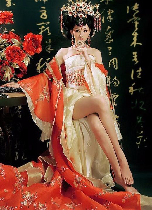图揭欲遮还羞的中国式性感 国粹也这么挑逗